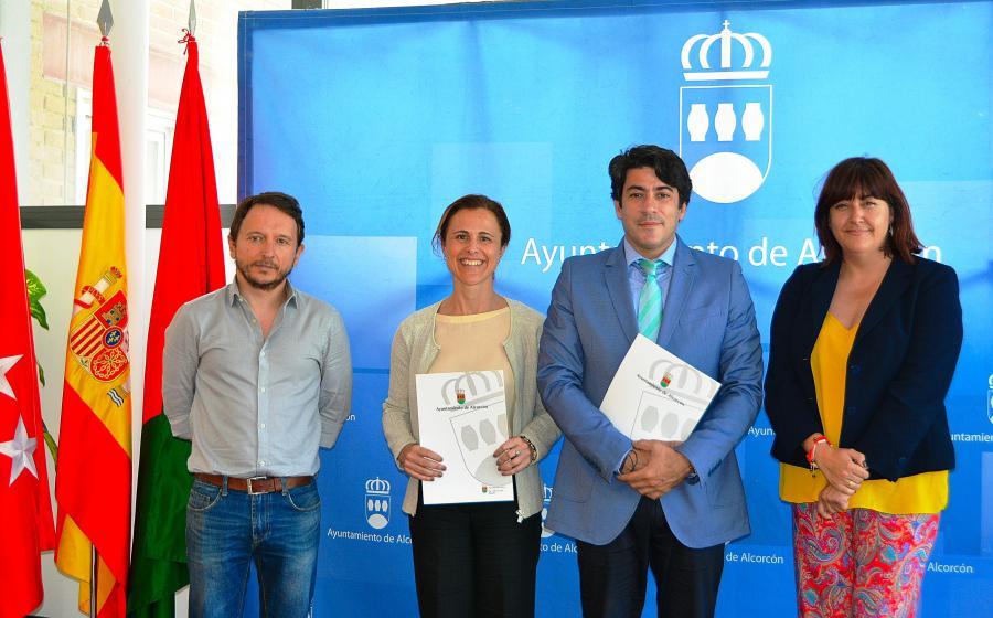 El alcalde de #Alcorcón firma un convenio de colaboración con la Fundación Recover Hospitales para #África