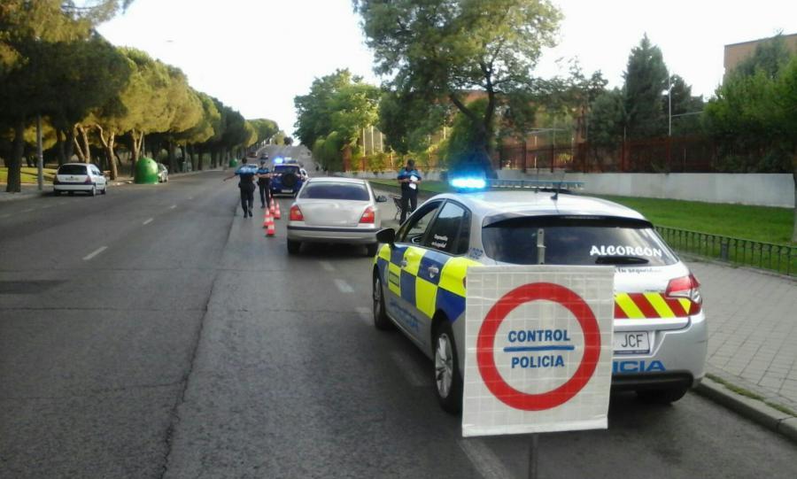 @PoliciaAlcorcon controla el correcto estado de conservación de los vehículos que circulen por la ciudad