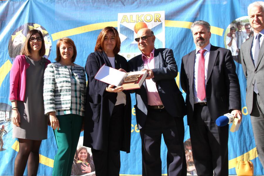 @Susanamozo destaca el papel de los profesionales del @Colegio_Alkor en la inauguración de su XXV Semana Cultural