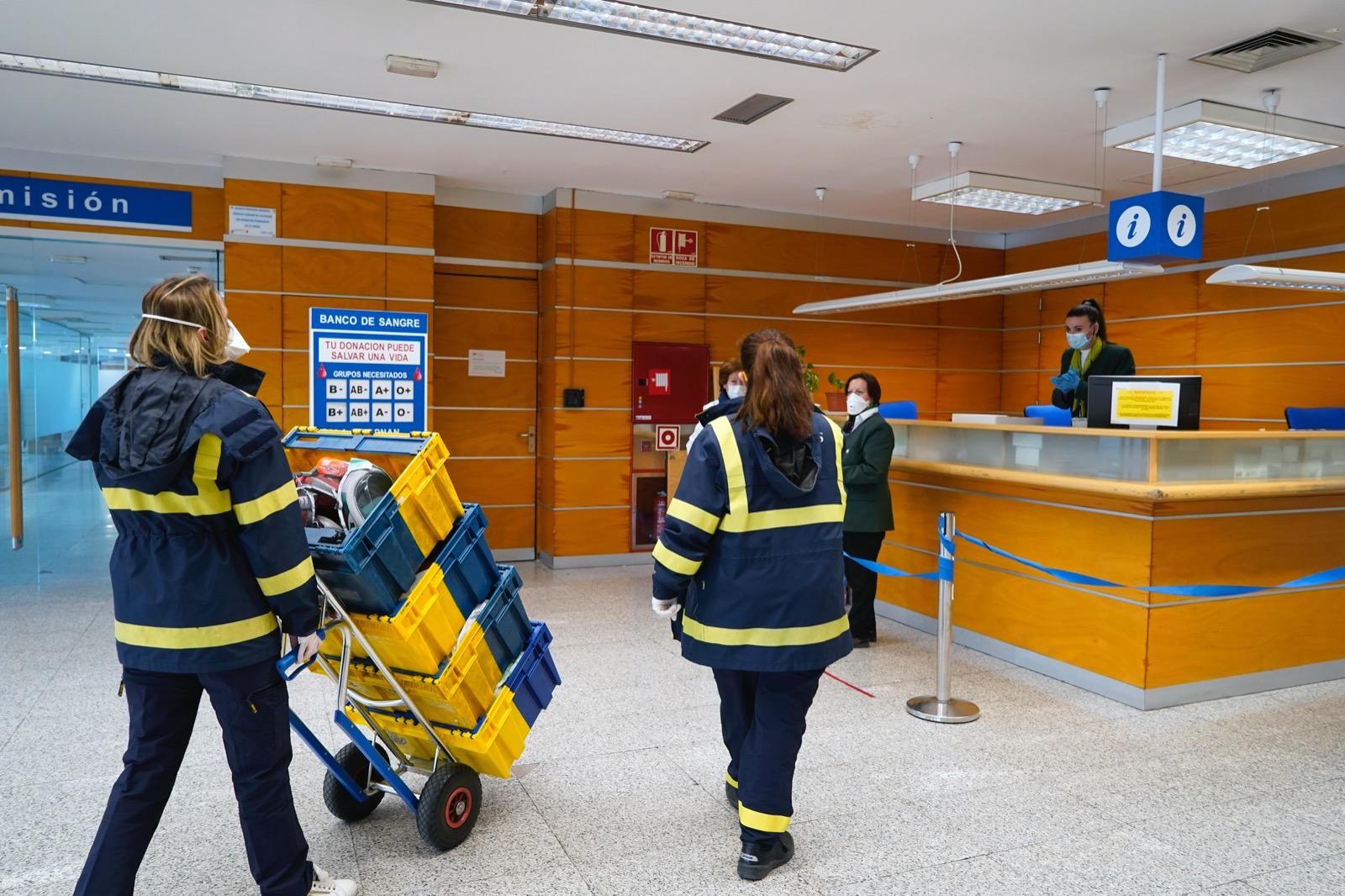 Texto Alternativo: El Ayuntamiento de Móstoles distribuye entre los hospitales las máscaras de buceo donadas por los ciudadanos