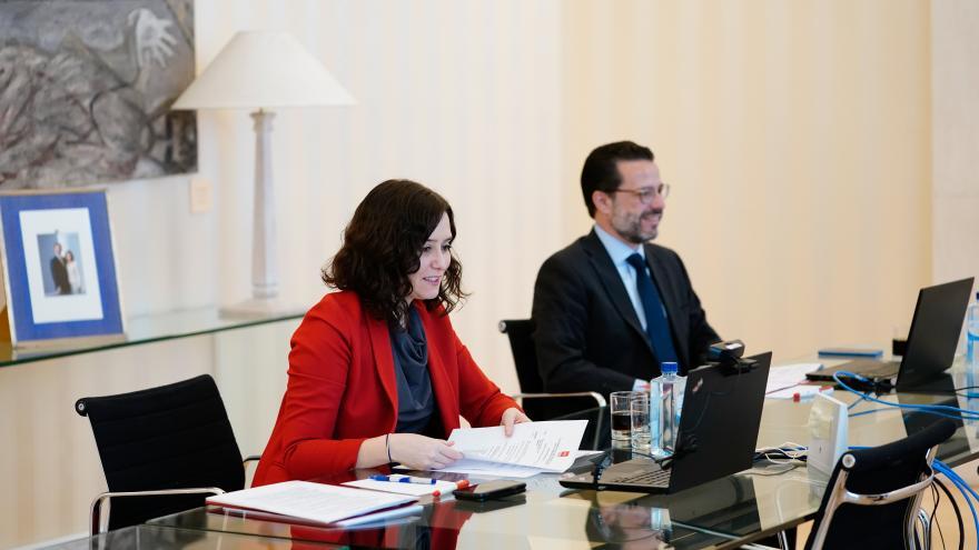 Texto Alternativo: Díaz Ayuso anuncia la incorporación del teletrabajo para la conciliación de empleados públicos