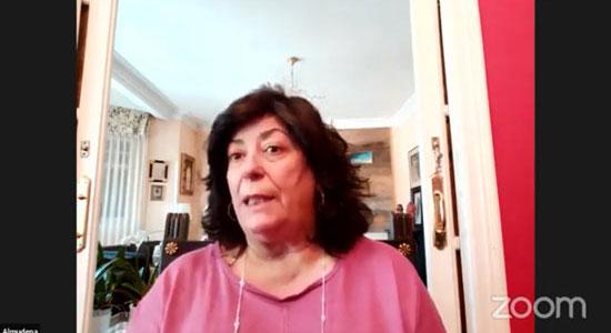 Texto Alternativo: Vecinos y vecinas de Leganés intercambiaron opiniones e impresiones con la escritora Almudena Grandes en el 16º libro fórum de la UPL