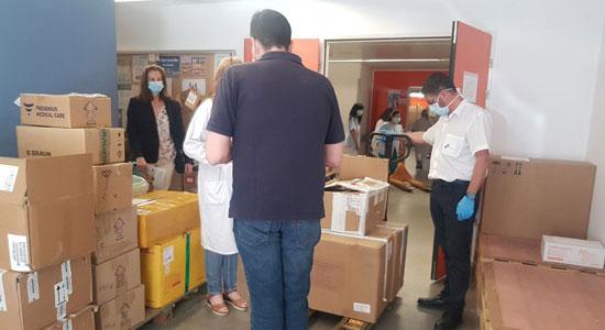 Texto Alternativo: El Ayuntamiento de Leganés entrega 5.000 nuevos test rápidos de Coronavirus al Hospital Severo Ochoa