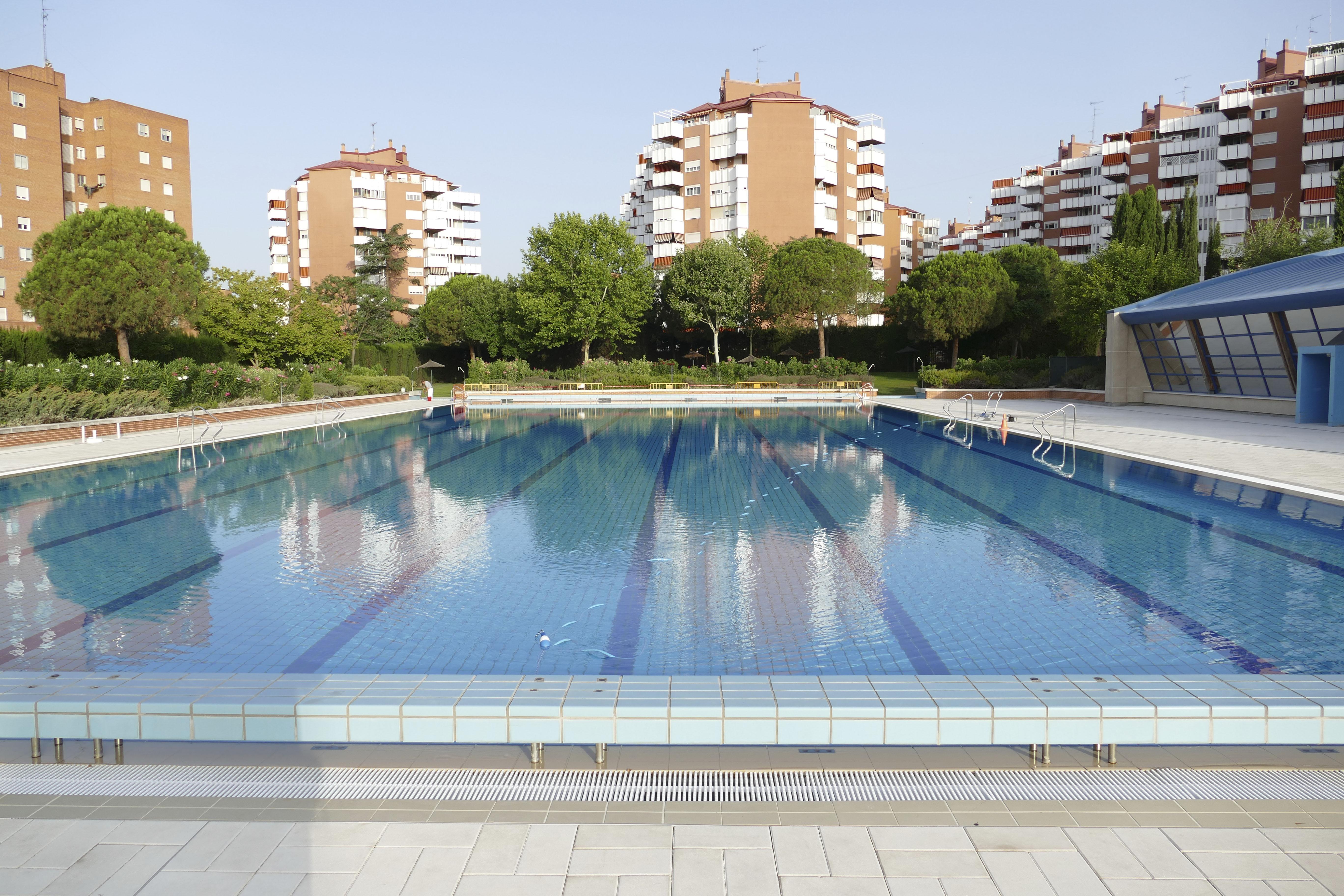 Texto Alternativo: El Gobierno de Móstoles abrirá las piscinas municipales de verano el 6 de julio