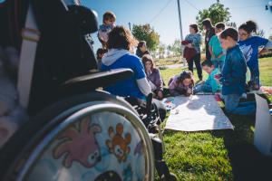 Texto Alternativo: La artrogriposis, enfermedad rara que busca la participación social: aprender a pronunciarla es colaborar a integrarla