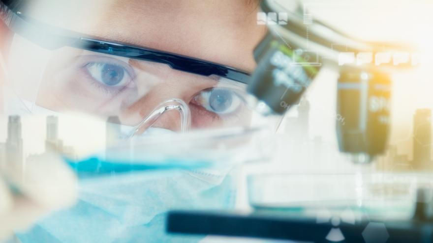 Texto Alternativo: Financiamos el proyecto de un investigador que ingresa en la Academia Nacional de Ciencias de EEUU