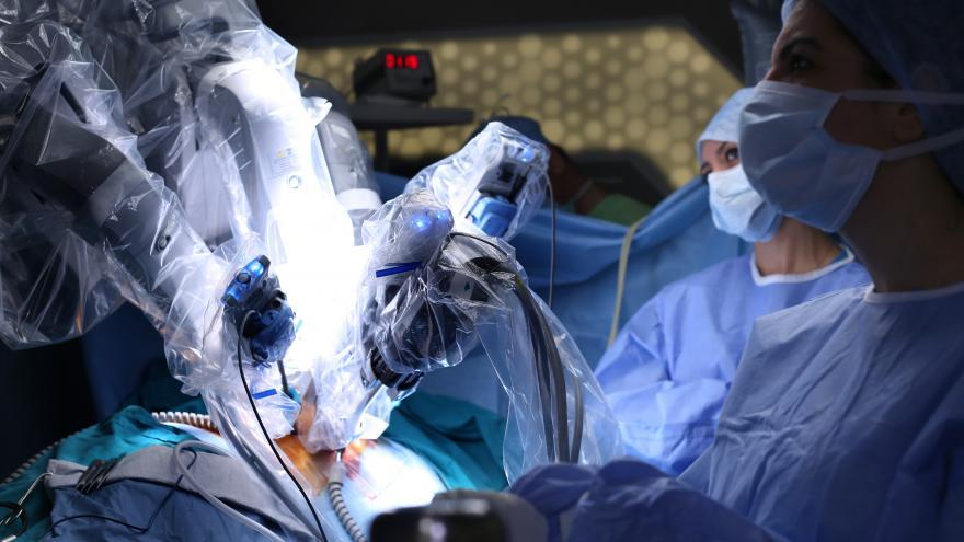 Texto Alternativo: Realizada en la Comunidad de Madrid la primera cirugía robótica de columna en un hospital público