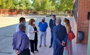 Texto Alternativo: Alcorcón ofrece instalaciones municipales para desdoblar aulas y anuncia el reparto de 60.000 mascarillas infantiles de cara al inicio de un curso marcado por la COVID-19