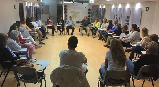 Texto Alternativo: Abierto el plazo de inscripción para colaborar como voluntario enseñando español a inmigrantes