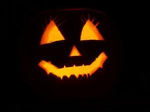 Texto Alternativo: Participa en un Halloween diferente y virtual a través de las redes sociales bajo el hashtag #HalloweenAlcorcón