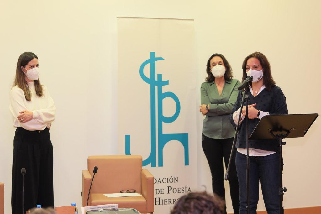 Texto Alternativo: Teresa Soto recibe el Premio Internacional de Poesía Margarita Hierro y presenta su libro en Getafe