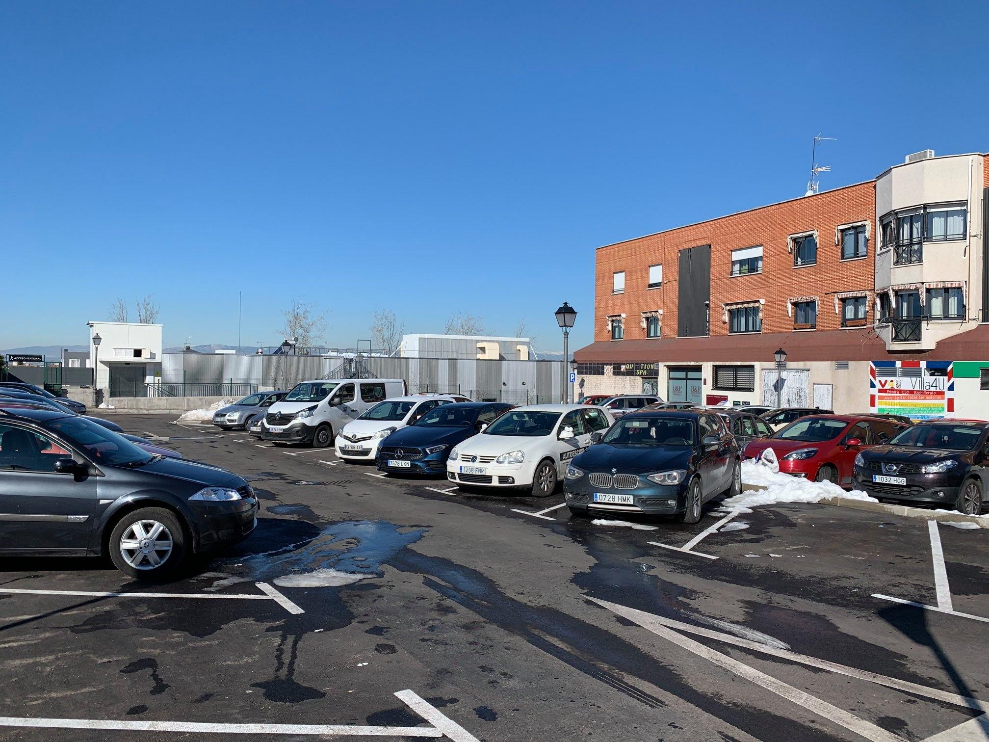 Texto Alternativo: Habilitados los parkings al aire libre de Villaviciosa