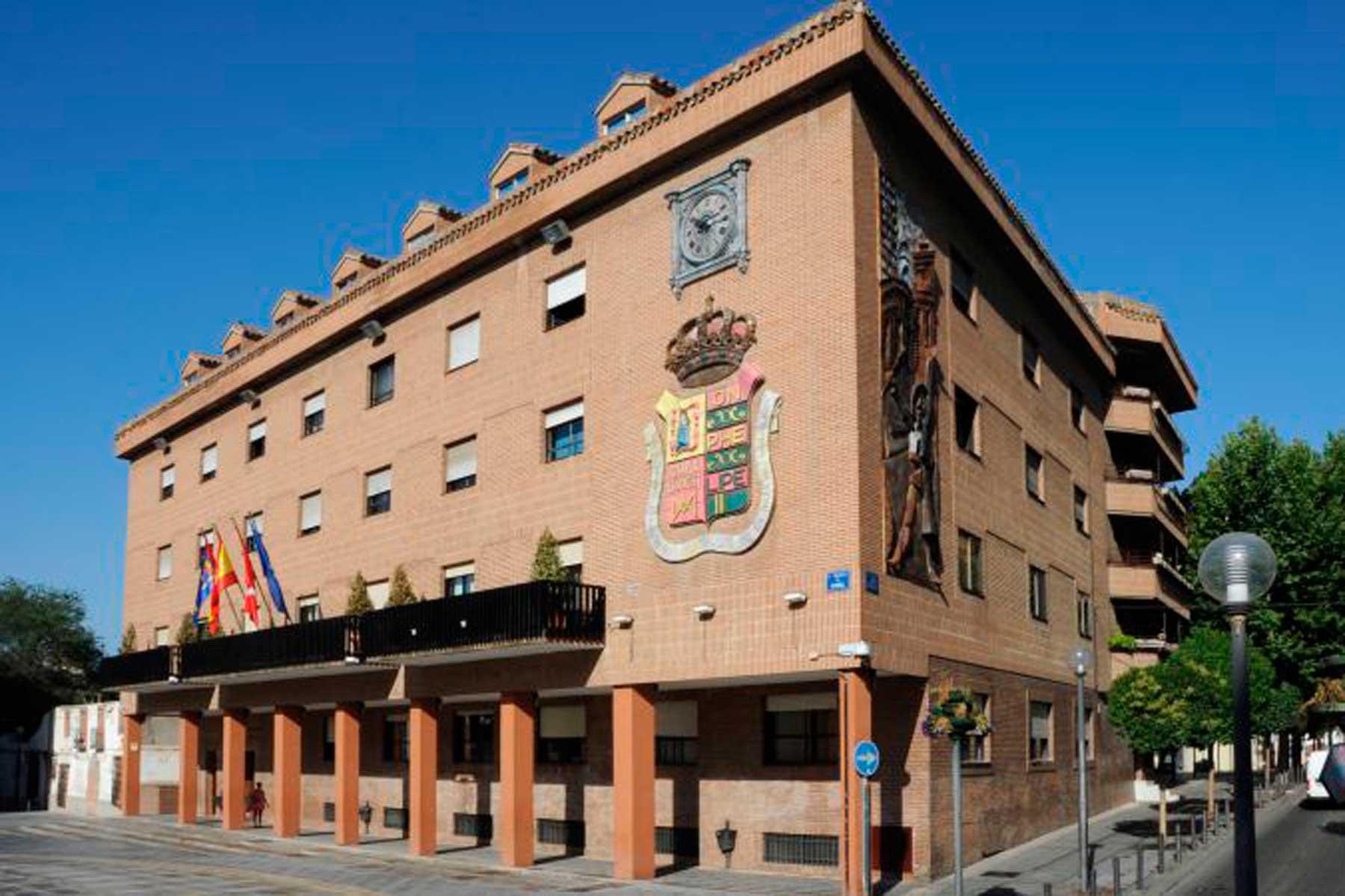 Texto Alternativo: El Gobierno de Móstoles ha realizado cerca de 700 desinfecciones con ozono en los últimos tres meses
